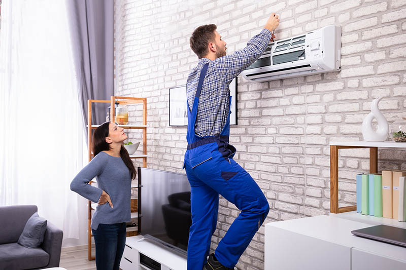 an AC Installer in Los Angeles